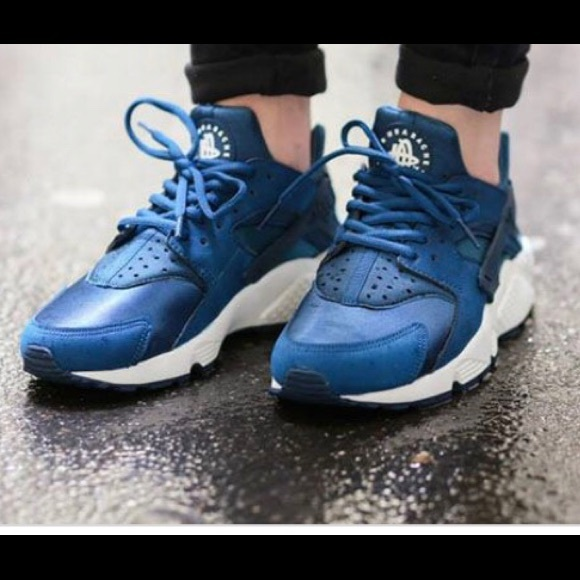 best service ecfef 89ff1 Nike Huarache in Blue Force Sail (color-way)